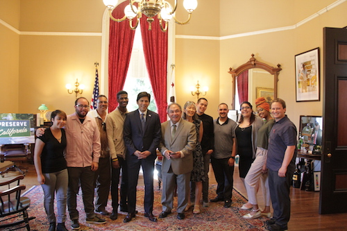 Students with Kevin De León at the California State Capitol